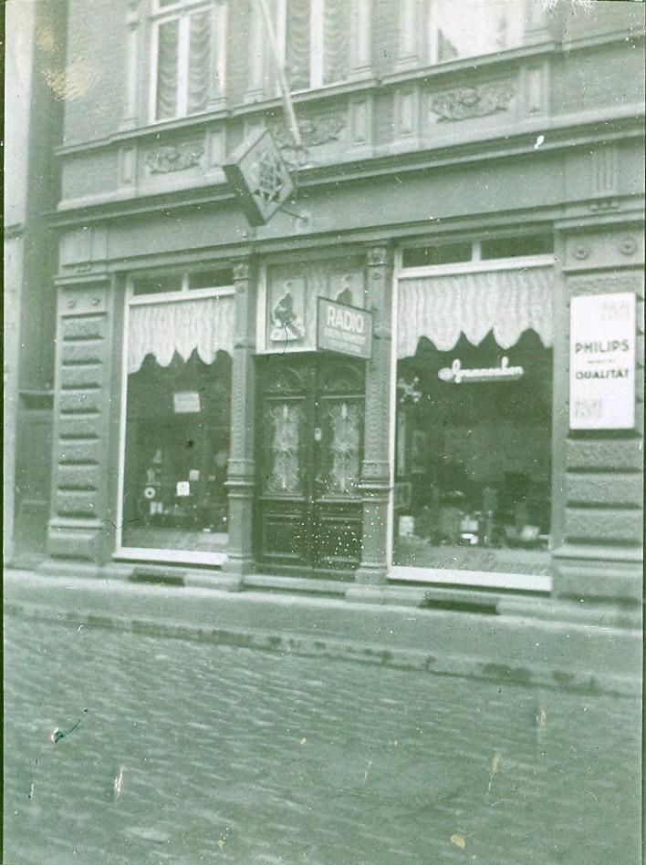 Das Geschäft Radio Esch in den 30er Jahren in der Kurfürstenstr. 5 in Herford